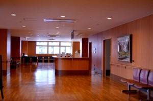 内装仕上げ工事業の建設業許可を取得すると、税込500万円以上のクロス貼り、クッションフロアシート貼り工事が受注できます。